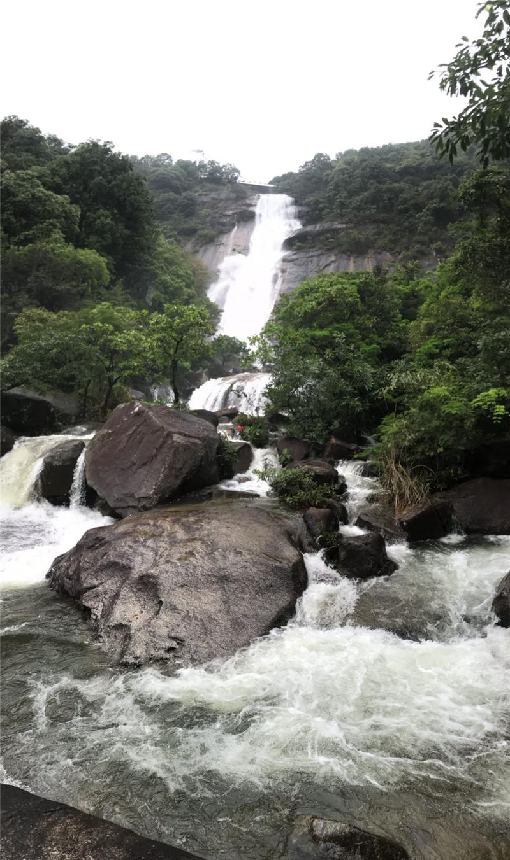 罗浮山景区瀑布