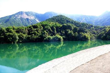 山頂天心湖